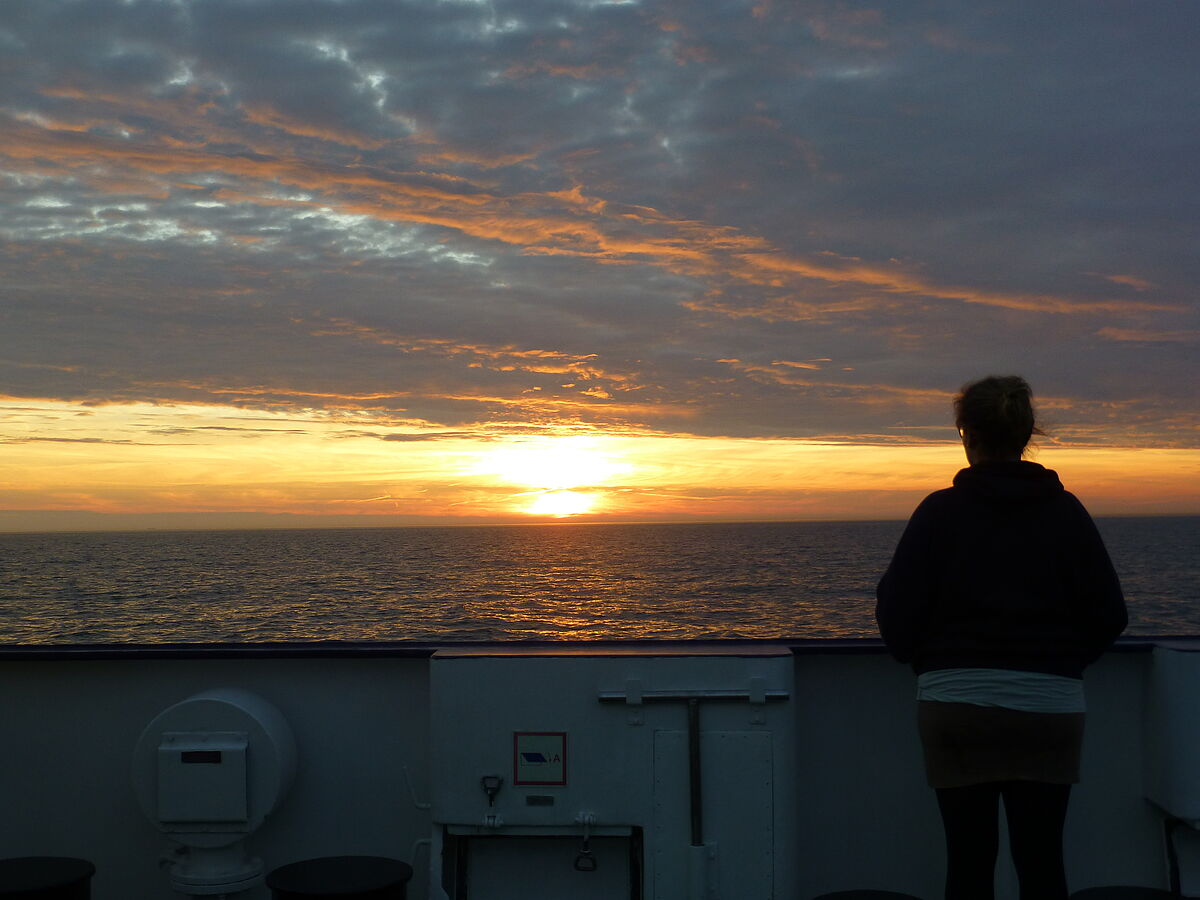 "Sunset after a successful measuring campaign on research vessel FS ""Elisabeth Mann Borgese"" (EMB)​ on the Baltic Sea near our study site ""NSG Hütelmoor und Heiligensee"". Photo: Baltic TRANSCOAST/2017"